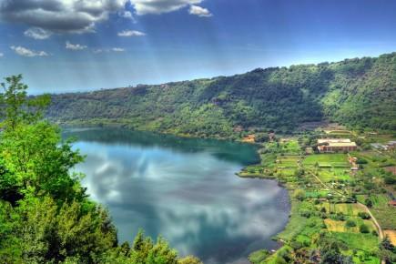 Озеро Неми