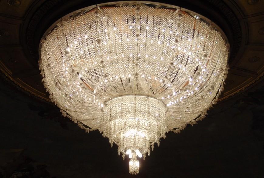 Люстра Римского Оперного Театра